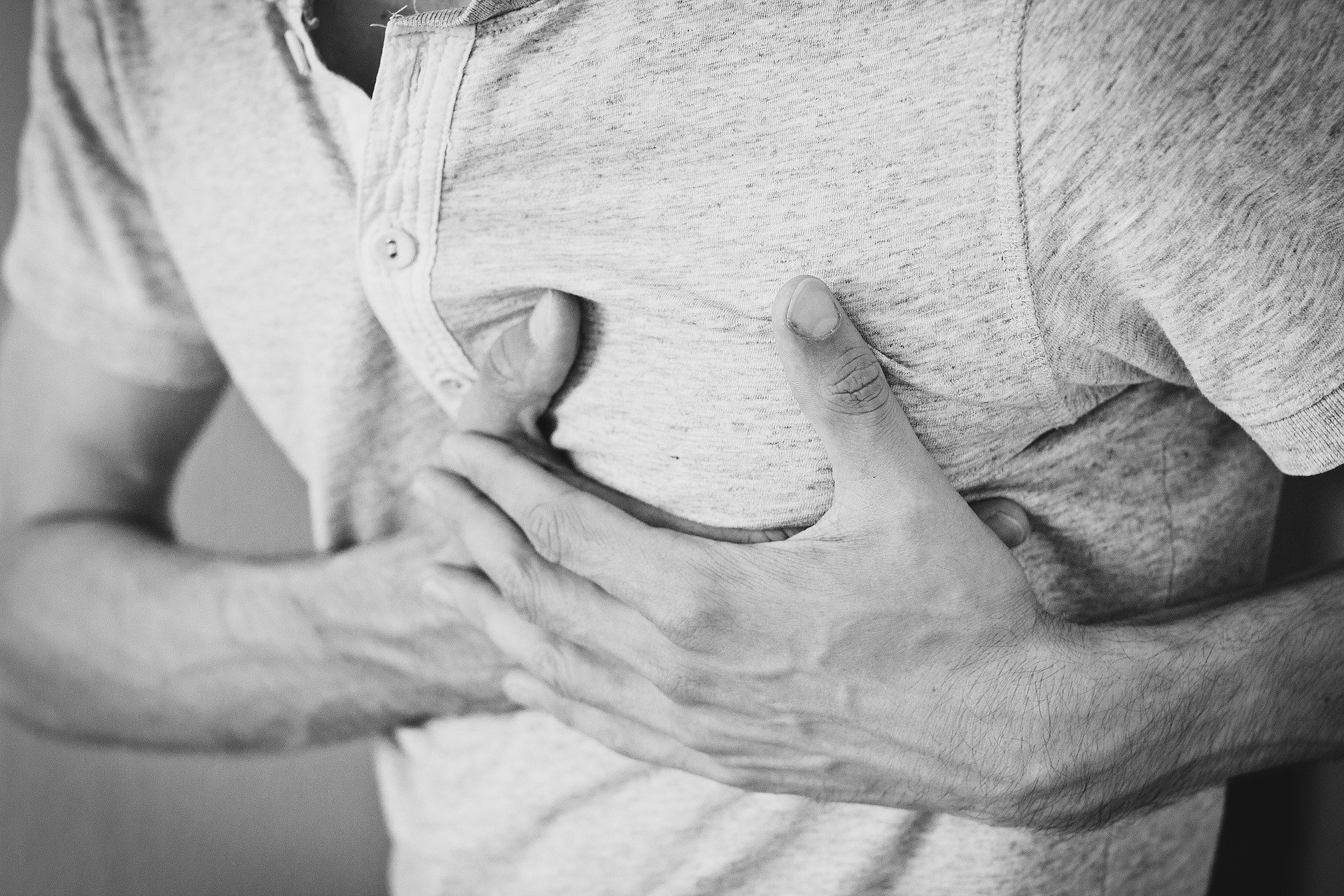 can poor posture cause chest pain